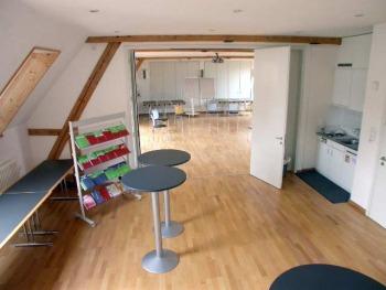 seminarraum raum mieten raumvermietung partyraum veranstaltungsraum. Black Bedroom Furniture Sets. Home Design Ideas