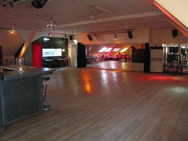 tanz disco saal garufa raum mieten raumvermietung partyraum. Black Bedroom Furniture Sets. Home Design Ideas