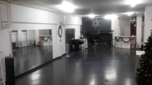 heller tanz und bewegungsraum raum mieten raumvermietung partyraum. Black Bedroom Furniture Sets. Home Design Ideas